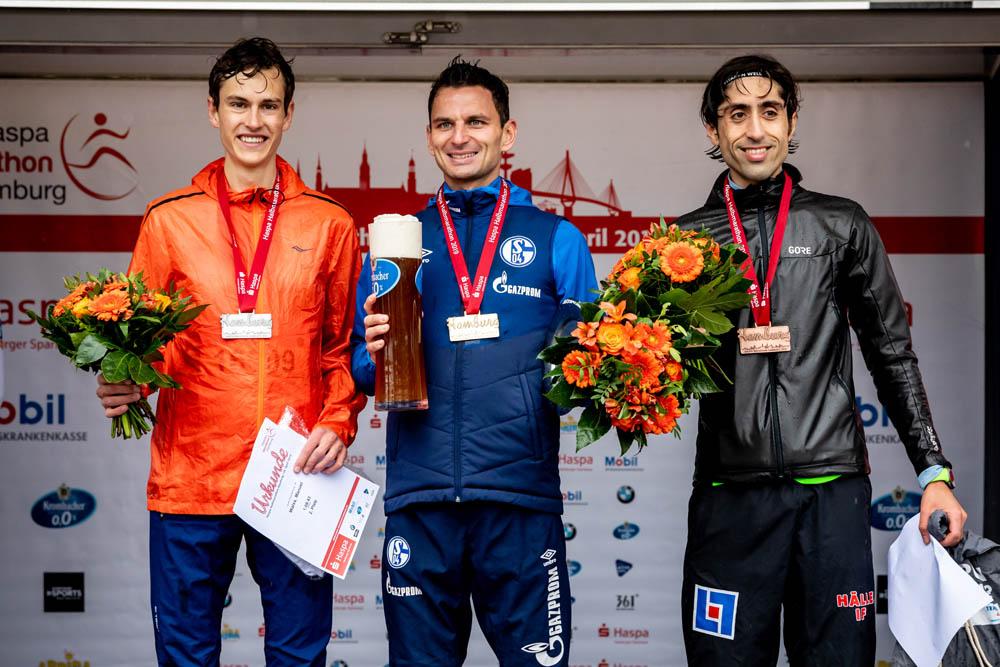 34. Haspa Marathon Hamburg 2019,  Halbmarathon, Siegerehrung Männer